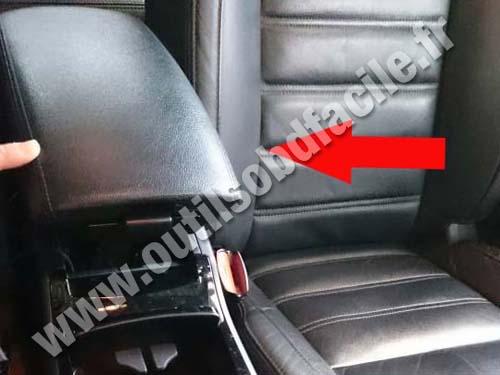 Renault Latitude Armrest