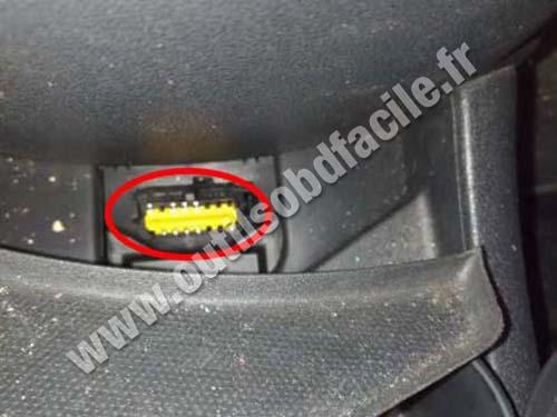 Renault Scenic 3 - OBD socket