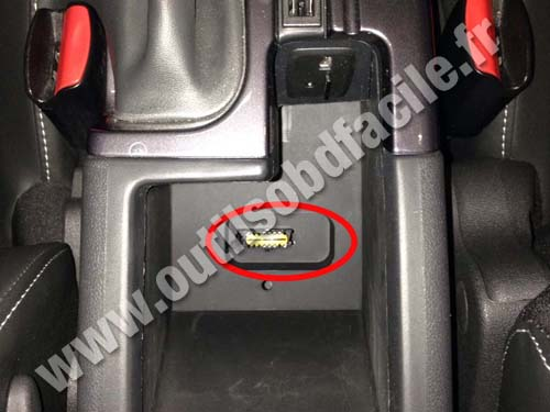 obd2 connector location in renault scenic 3 armrest 2009 2016 outils obd facile