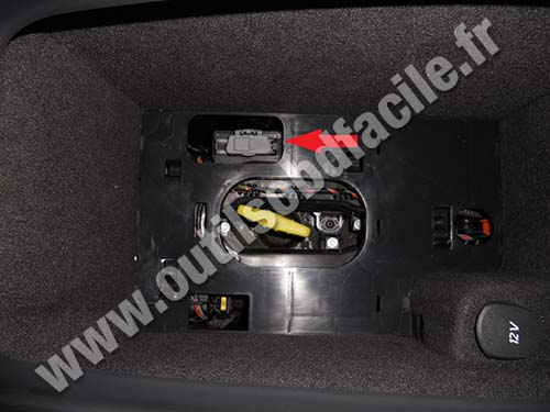obd2 connector location in renault vel satis 2002 2009 outils obd facile. Black Bedroom Furniture Sets. Home Design Ideas