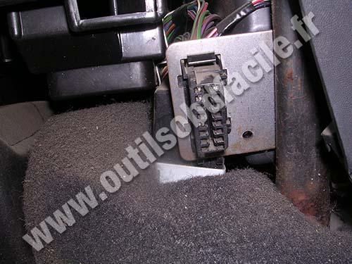 Rover 25 OBD plug