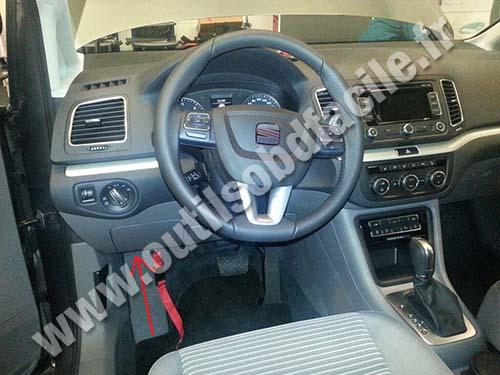 Seat Alhambra dashboard