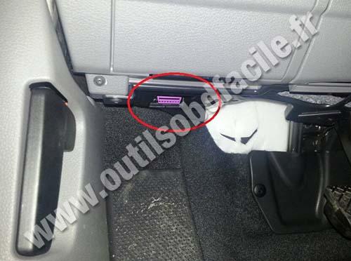 Seat Alhambra OBD2 socket