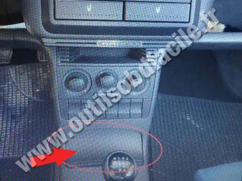 Seat Arosa - Central console
