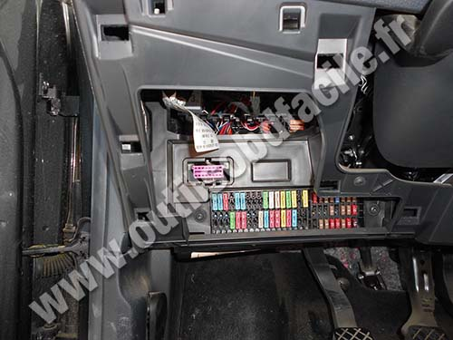 fuse box jetta 1993 obd2 connector location in seat ibiza  2002 2008  outils  obd2 connector location in seat ibiza  2002 2008  outils