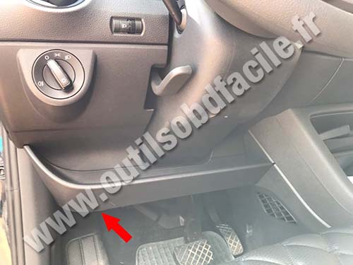 Skoda Citigo - Under the steering wheel