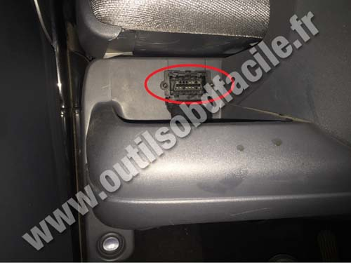 Smart Fortwo OBD socket