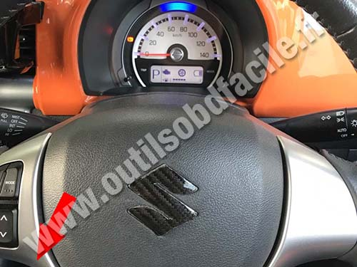 Suzuki Hustler - Steering wheel
