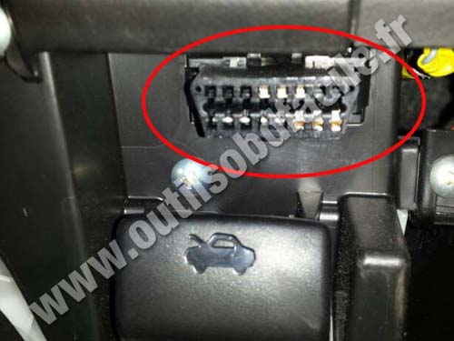 Suzuki SX4 OBD2 Connector