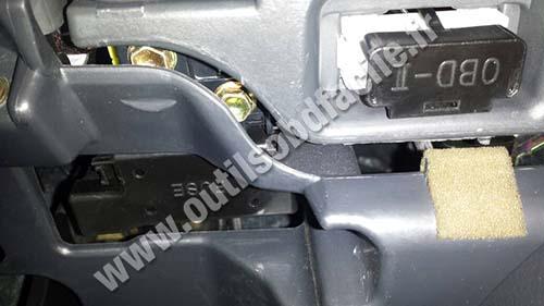 Toyota Avensis 2 OBD2 DLC