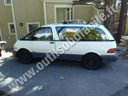 Toyota Previa - Vehicle