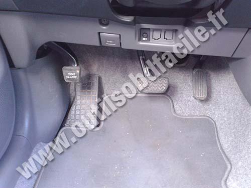 Toyota Prius 2 brake pedal