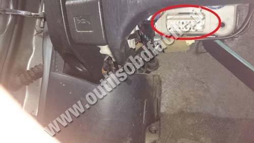 Toyota RAV4 OBD socket