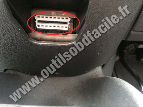 Vauxhall Corsa C - OBD connector