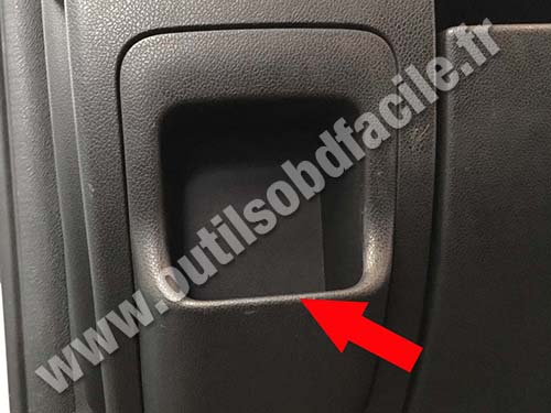 Opel Movano - Storage compartment