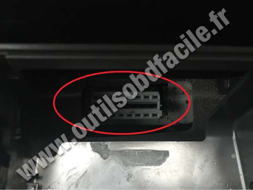 Vauxhall Vectra C OBD port