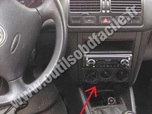 OBD2 connector location in Volkswagen Bora (1998 - 2005