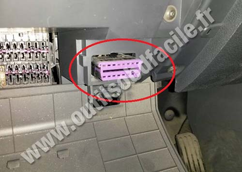 Volkswagen Caddy OBD2 socket