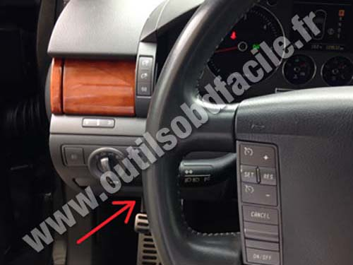OBD2 connector location in Volkswagen Phaeton (2002 - 2016) - Outils OBD Facile