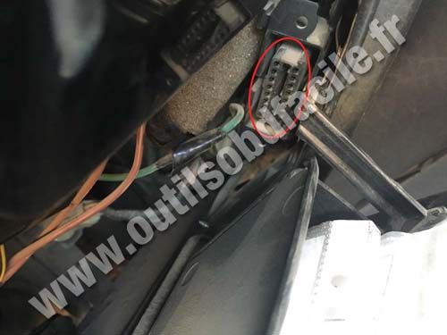 Volkswagen Polo - OBD 2 connector