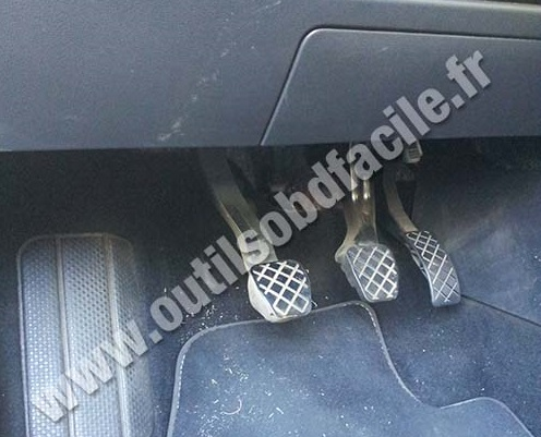 Volkswagen Polo V pedals