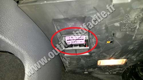 Volkswagen Scirocco OBD socket