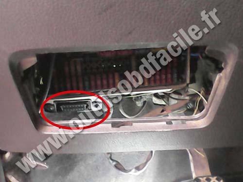 Volkswagen Voyage OBD2 plug