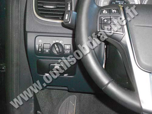 OBD2 connector location in Volvo S60 - Outils OBD Facile