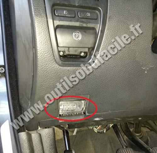 obd connector location  volvo xc  outils obd facile
